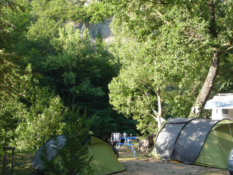Emplacements pour tentes - Camping des Gorges du Tarn - Sainte Énimie - Lozère