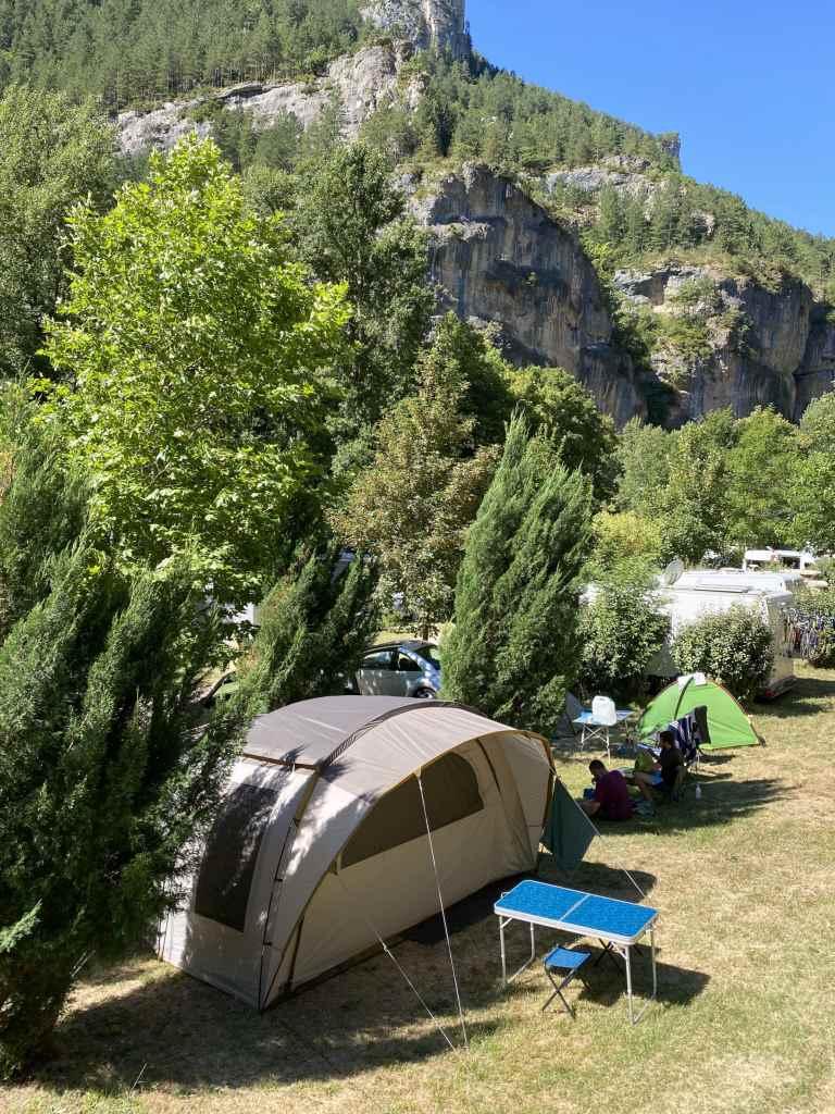 Emplacement tente et caravane au camping des Gorges du Tarn